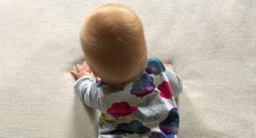 Werken, naaien en twee kinderen